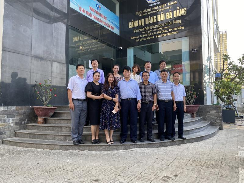 Đoàn công tác của Công đoàn GTVT Việt Nam đến thăm và làm việc tại Cảng vụ Hàng hải Đà Nẵng