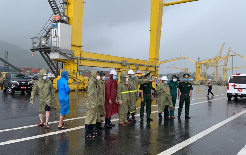Bí thư Thành ủy Đà Nẵng kiểm tra công tác tổ chức ứng trực, phòng chống cơn bão số 05 tại khu vực cảng biển Đà Nẵng